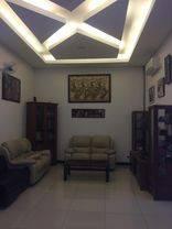 Rumah di Singgasana Paradana