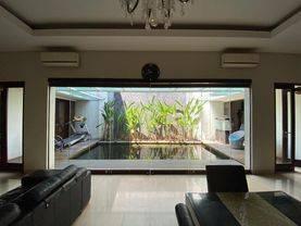 Rumah Lux di Singgasana Pradana