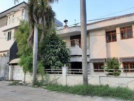 BURUAN!!! Rumah Besar Di Jalan Boulevard Komplek Green Garden (gg02)