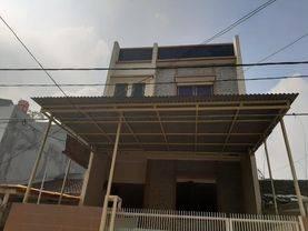 Jakarta Barat Rumah bagus di taman ratu harga murah strategis(tr12)