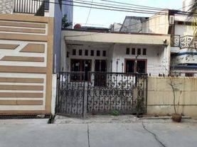 Jakarta Barat Rumah Tua hitung tanah lokasi strategis di taman ratu(TR29)