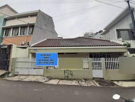 Jakarta Barat Rumah harga murah lokasi strategis di tomang(tm22)