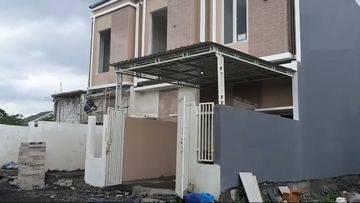 Rumah Baru 2 Lantai Minimalis Modern di Tambakoso Residence