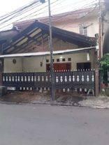 Rumah Strategis murah di kemanggisan(K51)
