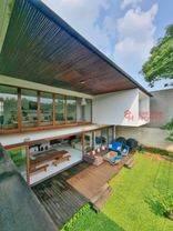 *LUXURIOUS TROPICAL RESORT  Karya arsitek Andra Matin ~ DI PONDOK INDAH