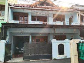 HARGA DIBAWAH PASAR Rumah Second Butuh Renovasi di Tebet