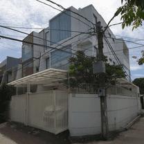 Termurah Rumah 3Lt - Hadap Utara - Hook di Greenville, Jakarta Barat
