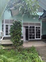 Rumah Cantik Terawat di Taman Pelesiran Lokasi Menarik strategis Dekat Ciwalk