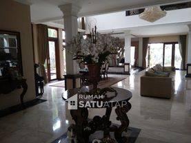 Rumah Mewah dekat Perkantoran Kemang dan Pejaten Village (Furnished) - RSA031801
