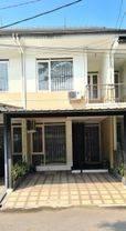 Turun Harga Termurah!!! Rumah 2 Lantai di Istana Regency Sudirman, Cijerah Bandung