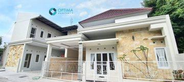 Rumah Induk + Kost Eksklusif 13 KT dekat Kampus UII Pusat Jakal Kaliurang Km 13