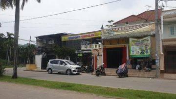 DIJUAL  Rumah Fasilitas Food Court Lokasi Kota Harapan Indah, Bekasi