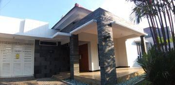 Rumah strategis tengah kota semarang siap pakai disewakan di Seteran Semarang tengah