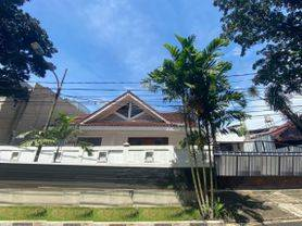 [Turun Harga] Dijual Rumah Di Taman Radio Dalam Jakarta Selatan Dengan Garden Luas Dan Lokasi Strategis
