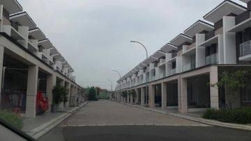 Rumah bagus harga murah,siap huni di Green Puri Jakarta Barat