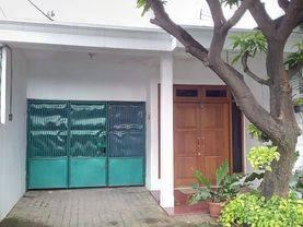 Dijual RUMAH 2 lantai, lokasi strategis dekat Pasar Palmerah, Jakarta Barat