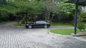 Rumah mewah dengan halaman luas di Pondok Indah, Jakarta Selatan
