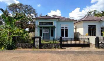 rumah tunggal 1 lantai, pagar keliling & lokasi berkembang di Jl. Parit Bugis Gg. Mustika 7