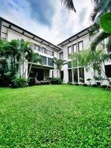 Kemang Rumah Lux Taman Luas Ada Pool Lokasi Bagus Turun Harga