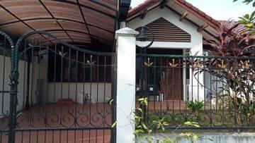Rumah Cinere Country rumah clasik