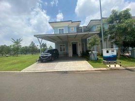 Rumah di Suvarna Sutera, Tangerang