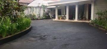 Disewakan Rumah di Kemang Selatan Bisa Untuk Kantor / Cafe di Jakarta Selatan ~ Pool