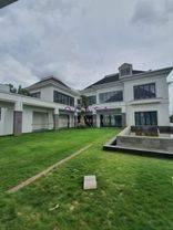 Luxurious  spacious american Classic House at Patra Kuningan rumah mewah cocok untuk duta besar