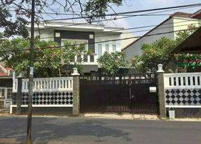 Rumah mewah jln durian Jagakarsa plus swimming poll