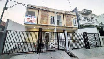 Rumah baru Siap Huni Lokasi strategis di duri kepa(DK104)
