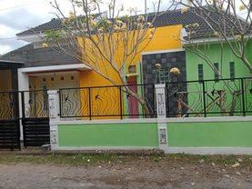 Rumah CANTIK MINIMALIS WARNA WARNI Di Pandanaran dekat Kampus UII