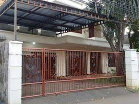 Disewakan Rumah nyaman asri di MPR Gaharu Cilandak