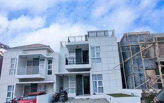 Rumah Di Cimahi Utara Cipageran 2,5 Lantai Ada Rooftop dekat Alun-Alun Hanya 1.090 M