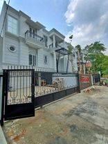 Rumah mewah american classic di brawijaya kebayoran baru