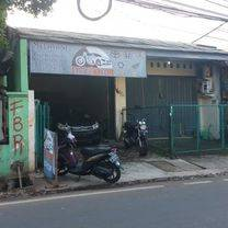 Rumah murah cocok untuk usaha di Jalan raya Srengseng