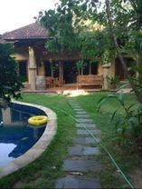 Rumah Cantik Stlyle Villa lokasi di Padang sambian Denpasar barat
