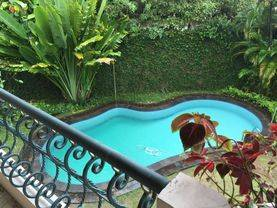 a Cozy and Big Beautiful House in Kemang