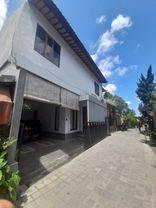 Rumah semi villa di Canggu