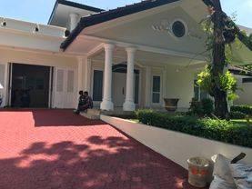 Disewakan Rumah Mewah di Brawijaya, Kebayoran Baru, Jakarta Selatan ~ Taman ~ Pool