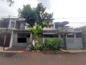 Rumah Besar Daerah Pamulang-Yitro Daniel