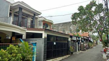 Disewakan rumah lokasi strategis di daerah ragunan - Indra Yusri