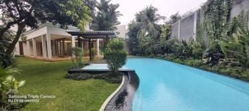 Tropical House in Cilandak