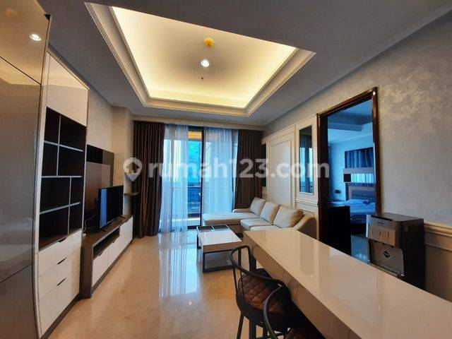 District 8 Apt, 1BR Located in SCBD Area, Connect with The Newest Mall In Jakarta, ASHTA, And Also Walking Distance to Grand Lucky Supermarket. An Apartment with Great Facilities (Infinity View Pool, etc) that Makes Very Enjoyable to Live In