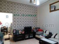 Rumah Bagus semi furnished lokasi jalan raya di Jelambar