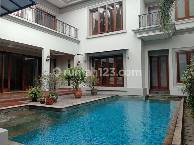 Very beautiful house, comfort, and modern at Kemang, South Jakarta, is available now