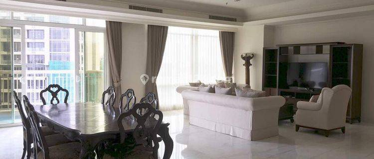 The Best Apartment That Makes You Feel so Homey in Jakarta, Very Cozy and Awesome Gym and Other Facilities, a Huge 3+1 Bedrooms Size 288sqm, Very Nice Unit and Fully Furnished at Botanica