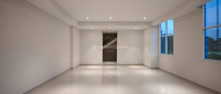 Ruko 4 lantai dengan privat lift Siap Pakai  Di CBD BSD City Tangerang Selatan