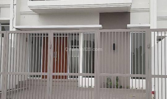 Rumah Siap Huni di Sariwangi Asri