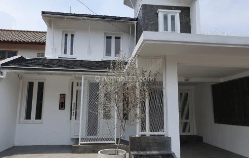 Rumah Cantik Bersih Rapih Furnished dalam Komplek Lebak Bulus