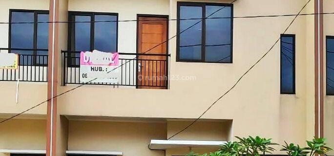 Rumah Siap Huni Selangkah dari Jalan Raya Parpostel Akses Angkutan Umum Jatiasih