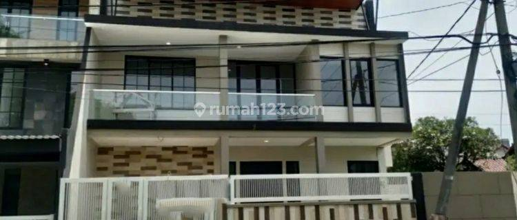 Rumah Babatan Pratama Wiyung Surabaya SPESIAL Row Jalan RAYA